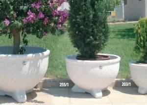 Maceton de piedra para jardín