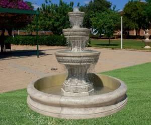 Fuente de jard n con estanque fuente de piedra de 3 alturas for Fuente estanque jardin