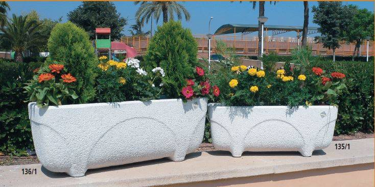 Jardineras de piedra mobiliario urbano y jard n - Jardineras para jardin ...
