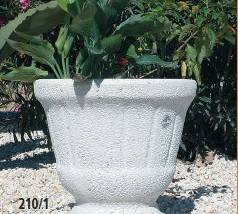 Jardinera de piedra redonda