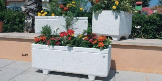 Jardineras de piedra mobiliario urbano y jard n - Piedras para jardineras ...