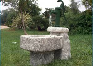 Fuente de piedra Abrevadero