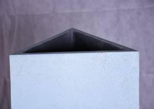 Jardinera de piedra triangulo peq